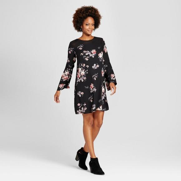 c369bb93d5fd0 Ingrid & Isabel Dresses & Skirts - XS ISABEL MATERNITY BLACK FLORAL BELL  SLEEVE DRESS